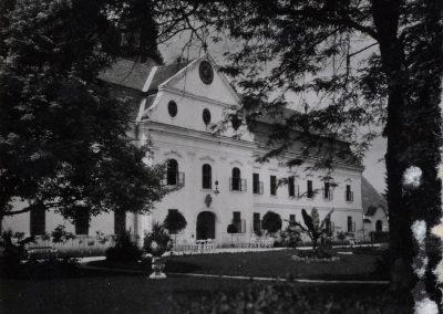 kastiel_podhradie_1930-40_Revhelyi_Elemer_1