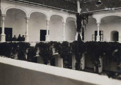 kastiel_podhradie_1930-40_Revhelyi_Elemer_4