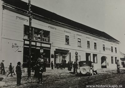myto_na_namesti_1930