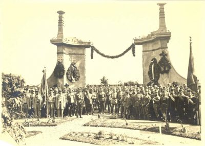 odhalenie_pamatnika_kragujevac_1920