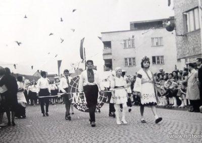 1_majovy_pochod_ul_stefanikova