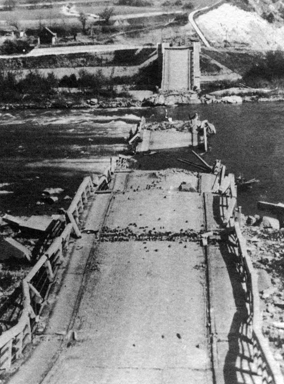 most_m_r_stefanika_zniceny_1944